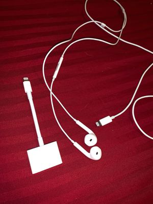 Belkin audio + charge & apple earbuds for Sale in Pflugerville, TX