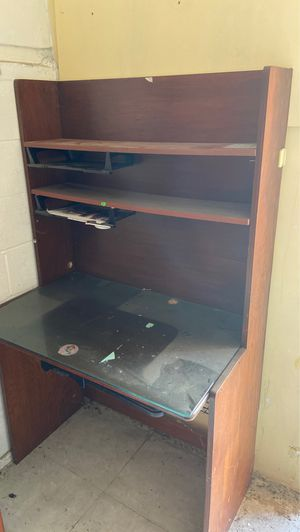 Computer Desk with Shelves for Sale in Glendale, CA