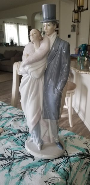 "Lladro by Nao Couples Collectible Sculpture ""Society Couple"" / Tall figurine/ Timeless Wedding Gift, handcrafted made of porcelain in Spain for Sale in Georgetown, TX"
