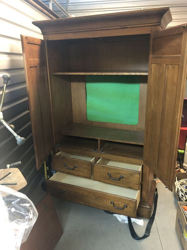 Dresser and Tv Entertainment Hutch w/ Adjustable Shelves