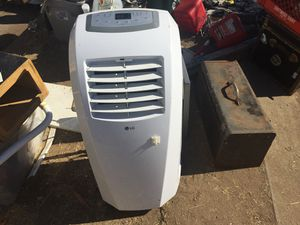 Air conditioner (freestanding) for Sale in Oakland, CA