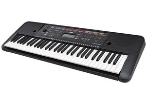Keyboard piano Yamaha PSRE263 key 61 for Sale in Los Angeles, CA