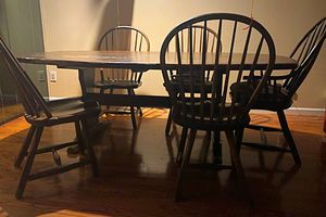 "84"" Hand Carved Live Edge Solid Wood & Chairs Hunts Dining Set for Sale in Port Washington, NY"