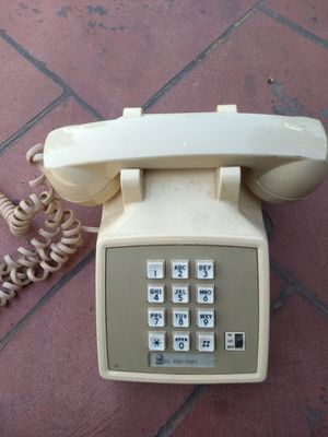 AT&T push button land line phone for Sale in Vancouver, WA