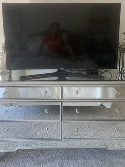 6 Drawer mirrored dresser & 2 Piece Bedside Table Set for Sale in Newport Beach,  CA