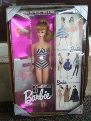 Collectors 35th edition barbie for Sale in Mount Juliet, TN