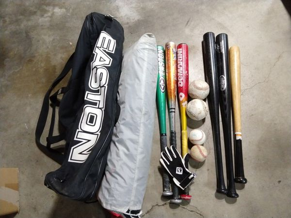 Baseball bag with equipment and pop-up net