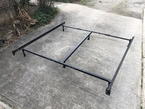 Heavy Duty King/queen Metal Bed Frame w/ Center Support for Sale in Raleigh, NC