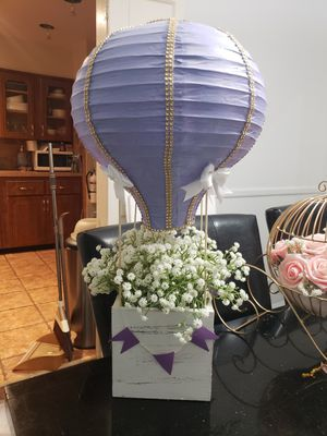 Hot air balloons centerpieces for Sale in New York, NY