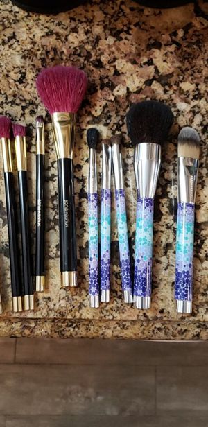 NEW! 9 Sonia Kashuk Makeup Brushes for Sale in Long Beach, CA