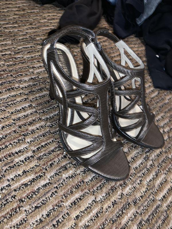 Brown heels size 5/6