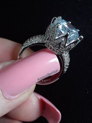 Wedding ring/ engagement ring/ promise ring for Sale in Sunrise, FL