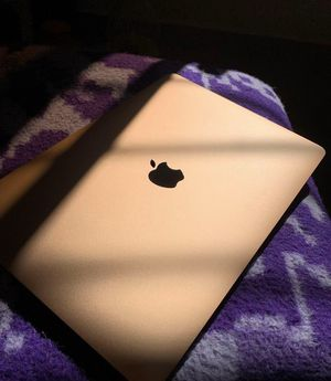 2018 Gold MacBook Air 13in with Fingerprint ID for Sale in Baltimore, MD