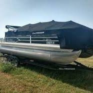 2017 Sun tacked DLX20 Pontoon for Sale in Locust Grove, VA