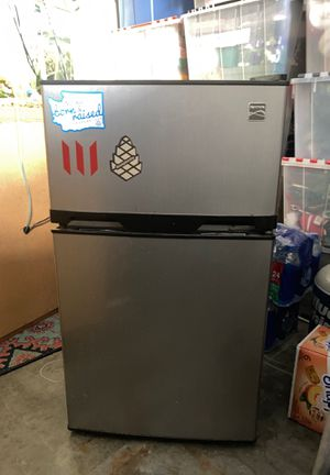 Mini-fridge Kenmore w/freezer for Sale in Woodway, WA