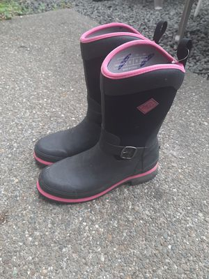 Womans size 8 Muck boots for Sale in Olympia, WA