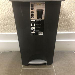 Trash can 42 liter for Sale in Rockville, MD
