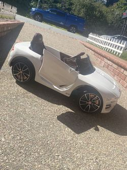 12v Bentley Kids Car With Remote Controller for Sale in Burlingame,  CA