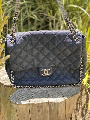 Chanel Classic Double Flap Bag Quilted Caviar Maxi for Sale in Los Angeles, CA