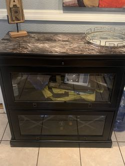 BAR CABINET for Sale in Los Angeles,  CA
