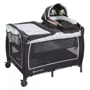Playpen with bassinet and change table for Sale in Stanton, CA