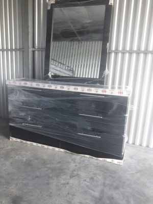 NEW SIX DRAWER DRESSER WITH MIRROR AVAILABLE FOR DELIVERY for Sale in Miami Beach, FL