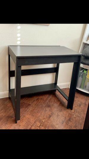 Nice desk for Sale in Austin, TX