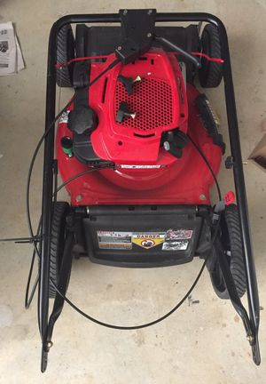 never been used Briggs and Stratton self propelling lawn mower for Sale in Marietta, GA