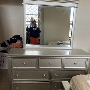 Dresser $300 With Night Stand for Sale in Brooklyn, NY