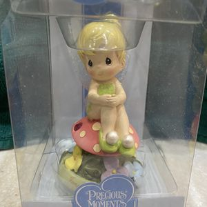 Precious Moments Disney Showcase Collection Tinkerbell - January for Sale in Chicago, IL