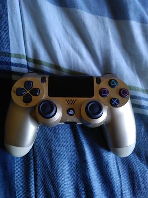PS4 Controller Gold for Sale in Baldwin Hills, CA