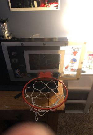 Spaulding min basketball hoop for Sale in Elburn, IL