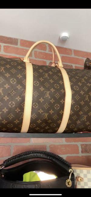Louis Vuitton duffle bag for Sale in Lynn, MA