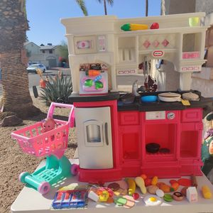 Little Tikes Kitchen And Accessories for Sale in Glendale, AZ