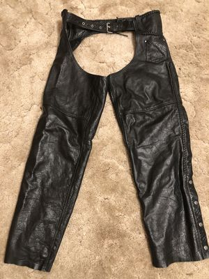 HARLEY DAVIDSON AUTHENTIC LEATHER RIDING CHAPS SIZE XXL for Sale in Westland, MI