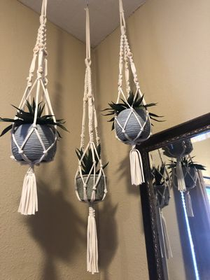 Macrame plant hanger set of 3 for Sale in Los Angeles, CA