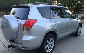 EXTRA CLEAN 2OO7 Toyota RAV4 Limited 2.4L 4WDWheels for Sale in Worcester, MA
