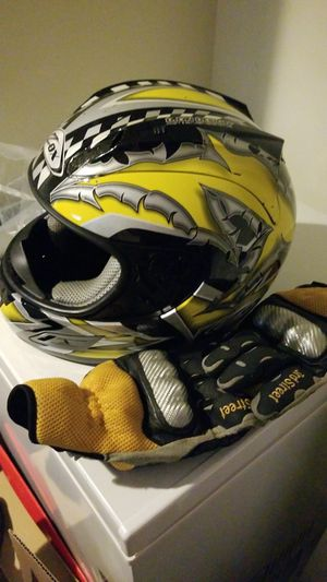 Motorcycle helmet and matching gloves for Sale in Arlington, VA