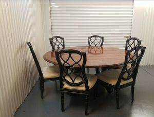 Real wood round dinning table with six originals chairs / comedor Redondo con seis sillas originales for Sale in Azalea Park, FL