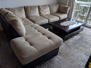 Lovely microfiber couch in beige color for Sale in Fort Lauderdale, FL