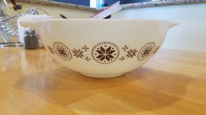 Pyrex 4 Qt Town & Country Cinderella Bowl for Sale in Garden Grove, CA