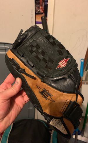 Youth baseball glove for Sale in Columbus, OH