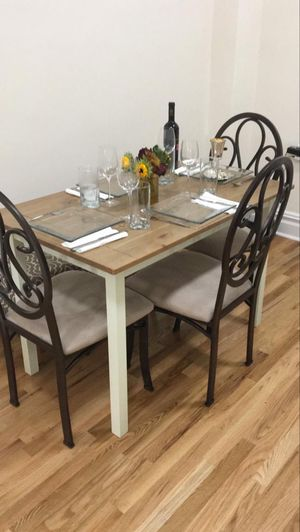 Table and chairs for Sale in New York, NY