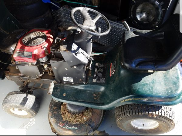 I AM SELLING CRAFTSMAN TRACTOR IN GOOD CONDITION