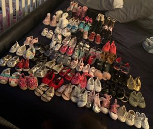 Girl Shoes 0-5c for Sale in Evansville, IN