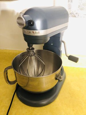 Kitchen Aid Professional 600 Mixer 6qt for Sale in Tacoma, WA