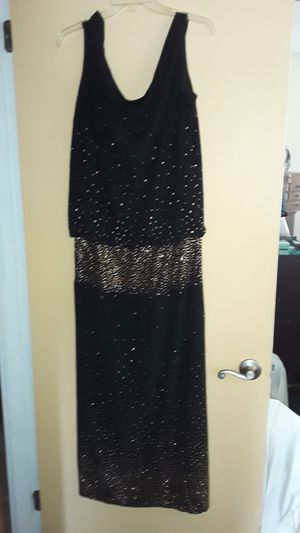 Evening dress size medium for Sale in NO FORT MYERS, FL