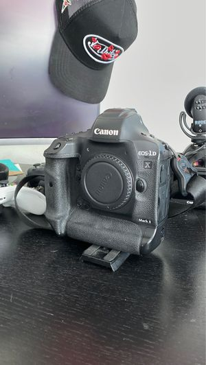 CANON 1DX ii - DSLR CAMERA for Sale in West Hollywood, CA