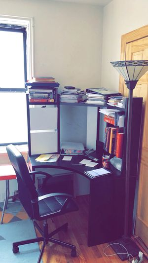 Office desk and chair for Sale in The Bronx, NY