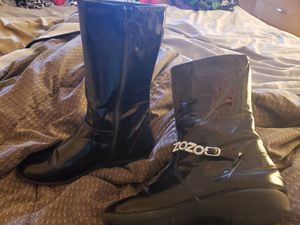 Girls sz 4 black patent leather boots for Sale in Jupiter, FL